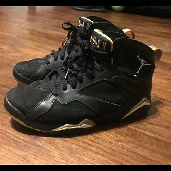online store 1676a bb954 Jordan 7's black and gold size 10.5